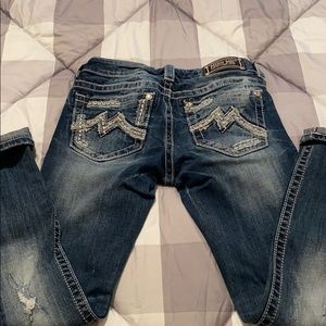 Miss Me short crop size 27 distressed